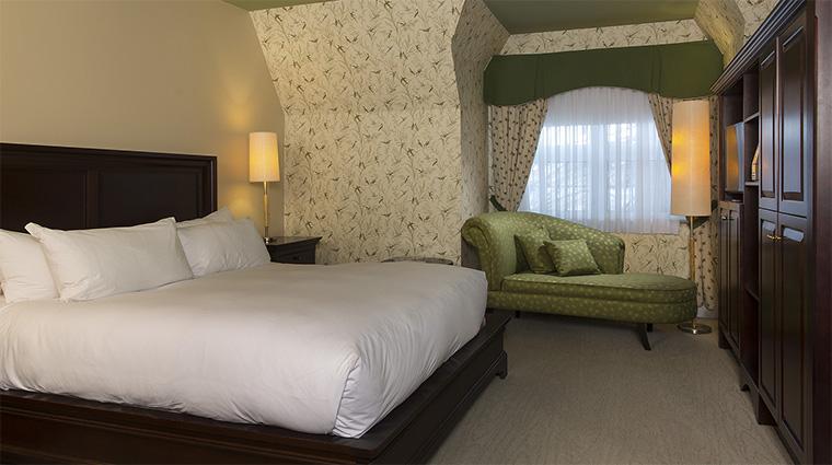 Property HotelLeBonneEntente 6 Hotel GuestroomSuite CocooningGuestRoom Bedroom CreditHotelLeBonneEntente