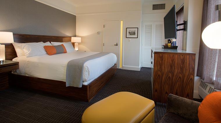 Property HotelLucia Hotel GuestroomSuites SuperiorKing 2 CreditHotelLucia