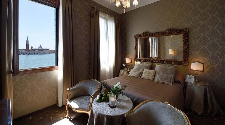 Property HotelMetropoleVenice Hotel GuestroomSuite DeluxeRoom MetropoleHotel