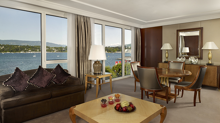 Property HotelPresidentWilsonALuxuryCollectionHotel Hotel GuestroomSuite CrownSuiteLivingRoom StarwoodHotels&ResortsWorldwideInc