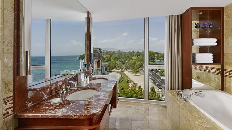 Property HotelPresidentWilsonALuxuryCollectionHotel Hotel GuestroomSuite PresidentialSuiteBathroom StarwoodHotels&ResortsWorldwideInc