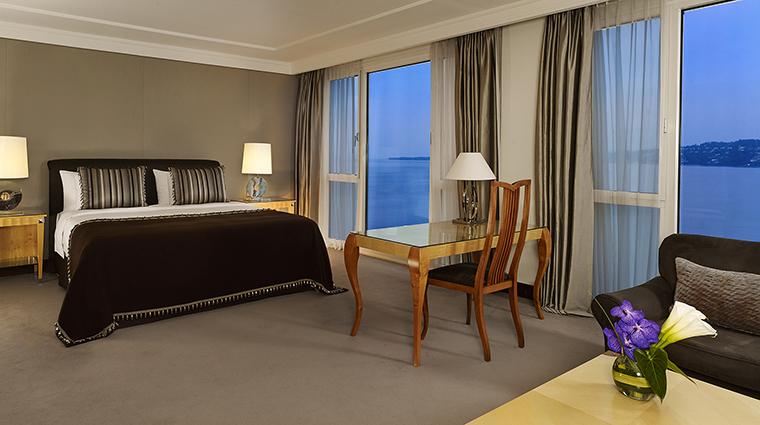 Property HotelPresidentWilsonALuxuryCollectionHotel Hotel GuestroomSuite PresidentialSuiteBedroom StarwoodHotels&ResortsWorldwideInc