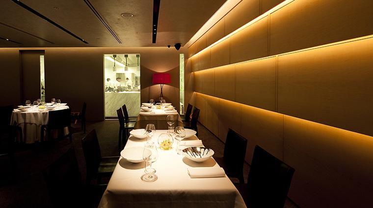 Property Iggys Restaurant Style MainDiningRoom CreditJohnHengForIggys