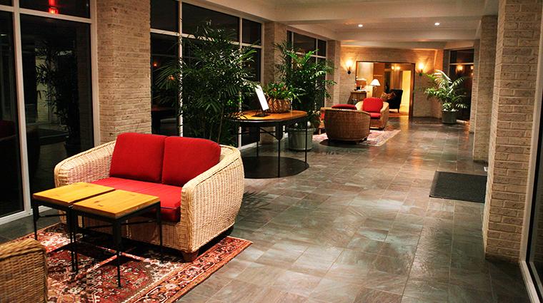 Property InnWalden 4 Hotel PublicSpace MainEntrance CreditWalden
