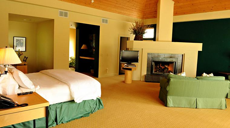 Property InnWalden 5 Hotel GuestroomSuite BridleSuite CreditWalden