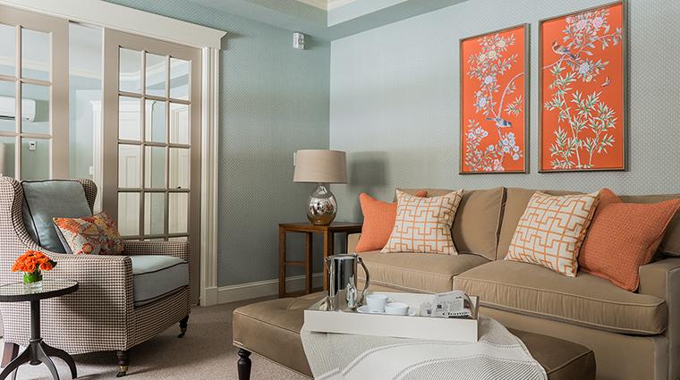 Property InnatHastingsPark Hotel GuestroomSuite KingSuiteLivingRoomIsaacMullikenHouse TheInnatHastingsPark