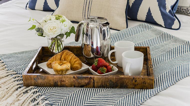 Property InnatHastingsPark Hotel GuestroomSuite RoomService TheInnatHastingsPark