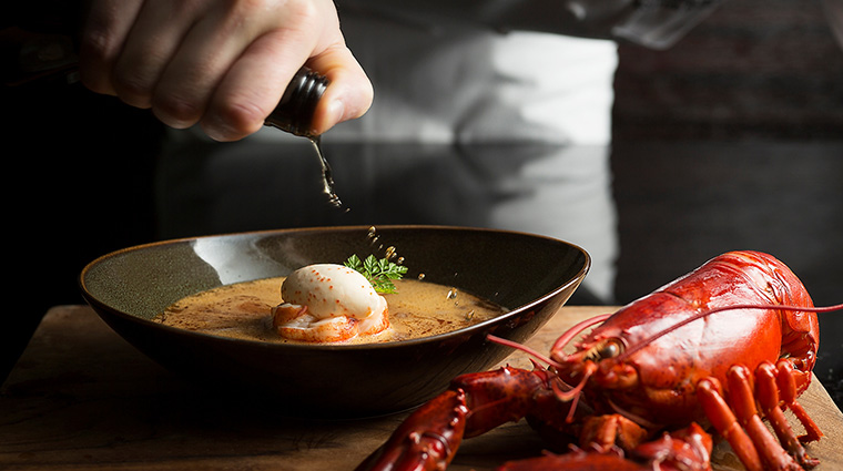 Property InterContinentalSingapore Hotel Dining Ash&ElmBostonLobsterBisque InterContinentalHotelsGroup
