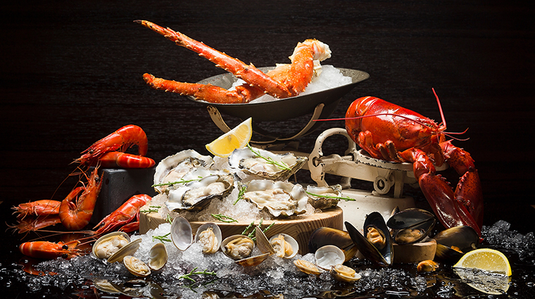 Property InterContinentalSingapore Hotel Dining Ash&ElmSeafoodPlatter InterContinentalHotelsGroup