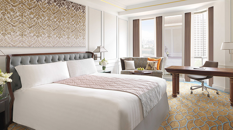 Property InterContinentalSingapore Hotel GuestroomSuite DeluxeRoom InterContinentalHotelsGroup
