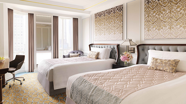 Property InterContinentalSingapore Hotel GuestroomSuite DeluxeRoomTwin InterContinentalHotelsGroup