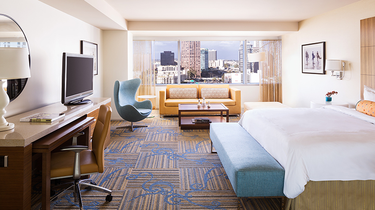 Property JWMarriottLosAngeles Hotel GuestroomSuite JuniorSuite MarriottInternationalInc