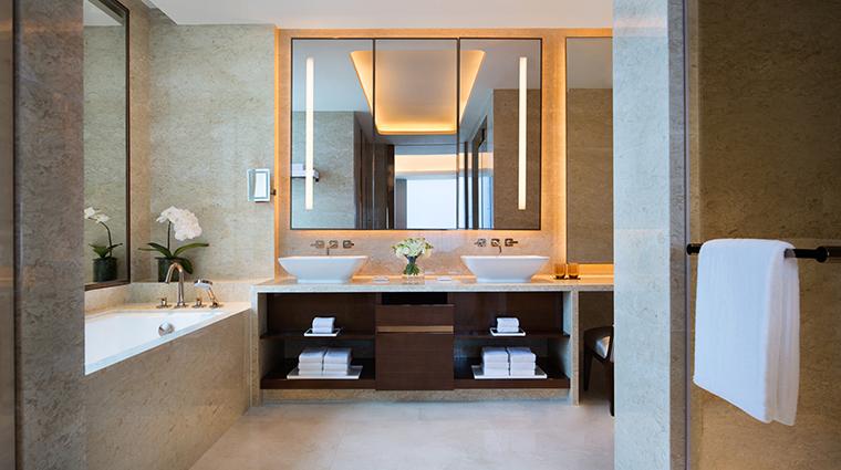 Property JWMarriottMacau Hotel GuestroomSuite ExecutiveSuiteBathroom MarriottInternationalInc