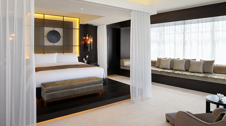 Property JWMarriottMarquis Hotel GuestroomSuite PresidentialSuiteBedroom MarriottInternationalInc