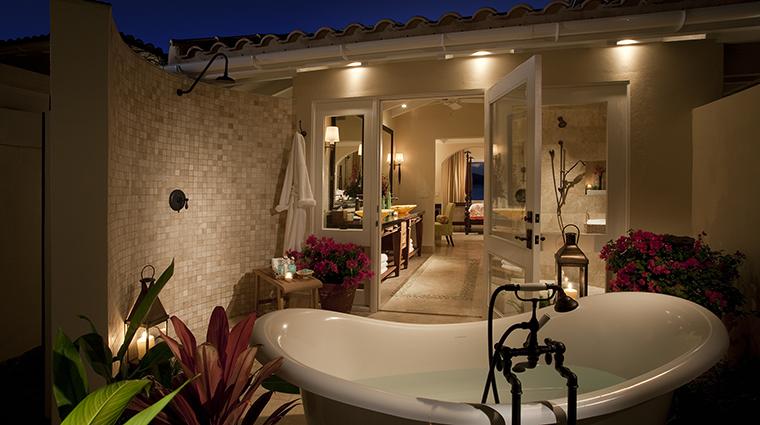 Property JumbyBayARosewoodResort Hotel GuestroomSuite CourtyardSuiteBath RosewoodHotelsandResortsLLC