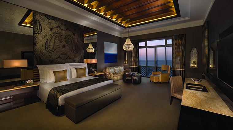 Property JumeirahMinaASalam Hotel GuestroomSuite RoyalSuiteMainBedroom JumeirahInternationalLLC