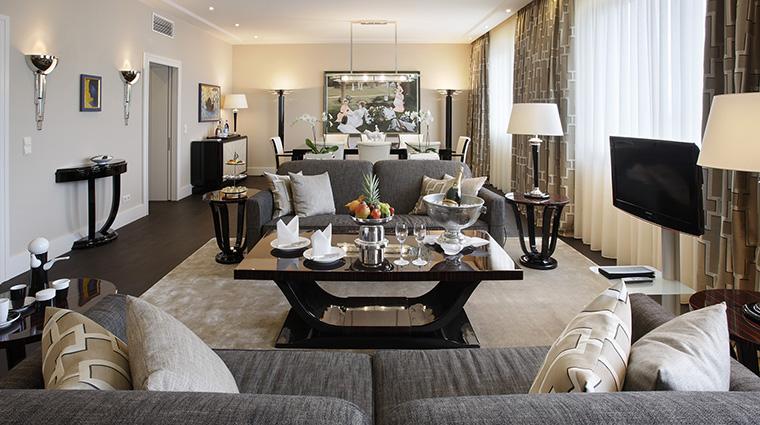 Property KempinskiHotelBristolBerlin Hotel GuestroomSuite PresidentialSuiteLivingRoom KempinskiHotels