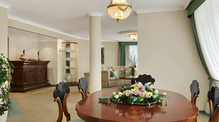 Property KempinskiHotelCorvinusBudapest Hotel GuestroomSuite CorvinusSuiteCollectionHerendSuite KempinskiHotels