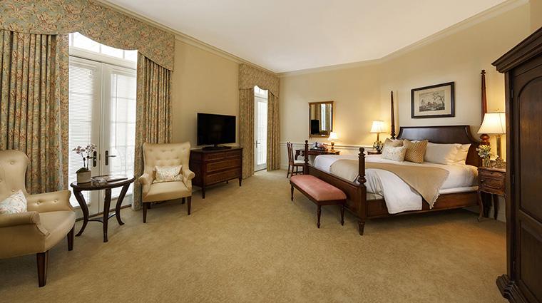Property KeswickHall Hotel GuestroomSuite DeluxeBalconyRoom2 KeswickHall