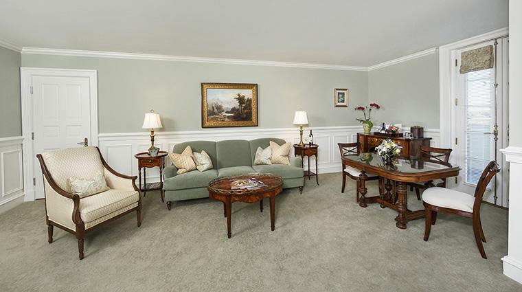 Property KeswickHall Hotel GuestroomSuite MasterSuiteParlor KeswickHall