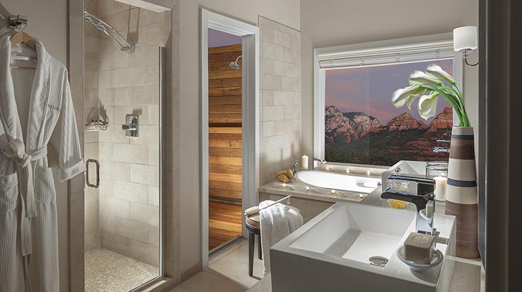 Property LAubergedeSedona Hotel GuestroomSuite VistaCottageBathroom LAubergedeSedona