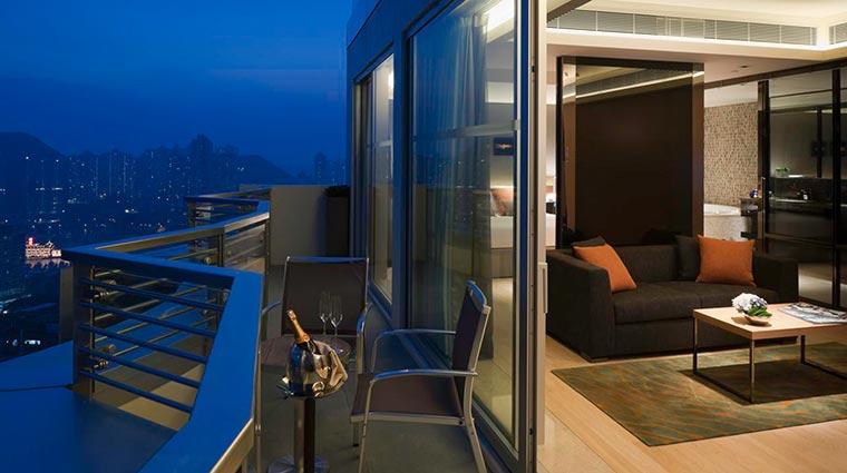 Property LHotelIslandSouth Hotel GuestroomSuites GrandAquaSuiteNightScenic CreditLHotelIslandSouthHongKong