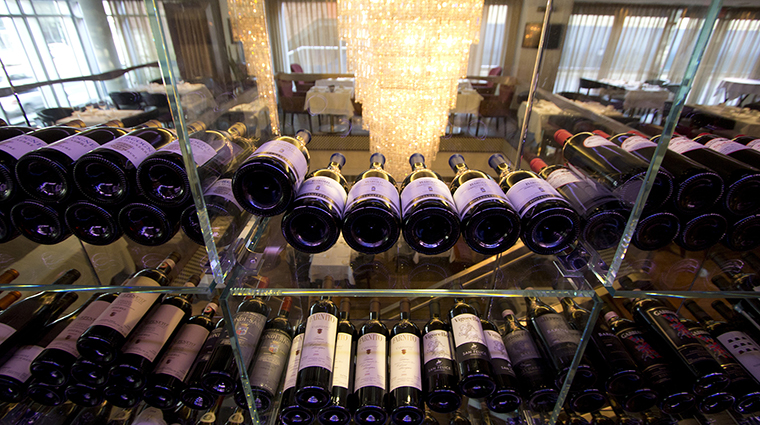 Property LaCoupole Restaurant 14 Style WineCellar CreditHotelLeCrystalMontreal