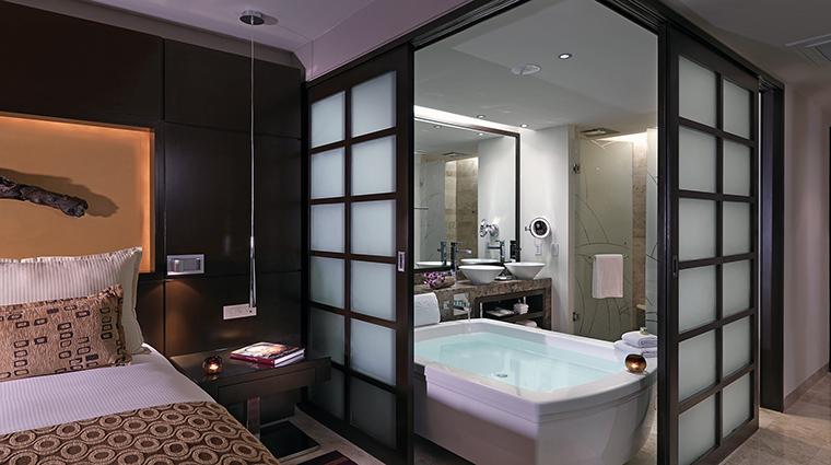 Property LaPerlaParadisusPlayadelCarmenLaPerla Hotel GuestroomSuite PresidentialSuiteBathroom MeliaHotelsInternational