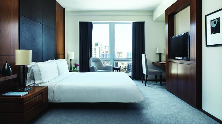 Property LanghamPlaceNewYork Hotel GuestroomSuite ResidenceSuiteBedroom LanghamHotelsInternationalLimited