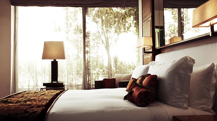 Property LasAlcobasMexicoCity Hotel GuestroomSuite PresidentialSuiteBedroom MarriottInternationalInc