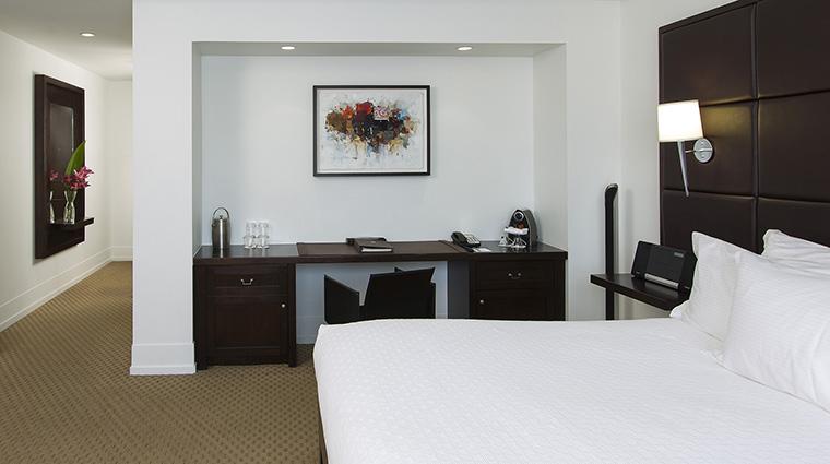 Property LeBonneEntente 17 Hotel GuestroomSuite UrbaniaSuite Bedroom CreditHotelLeBonneEntente