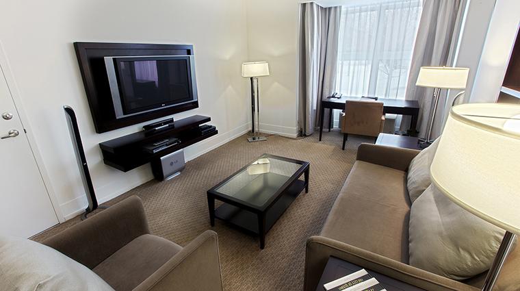 Property LeBonneEntente 18 Hotel GuestroomSuite UrbaniaSuite LivingRoom CreditHotelLeBonneEntente
