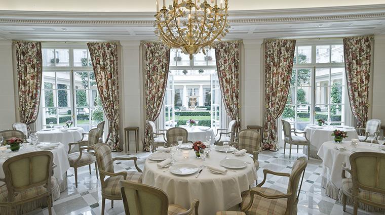 Property LeBristolParis Hotel Dining Epicure OetkerHotelManagmentCompany