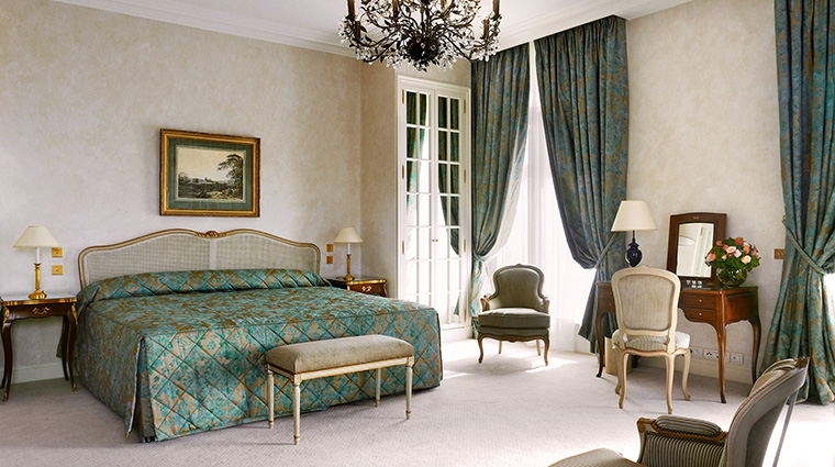 Property LeBristolParis Hotel GuestroomSuite JuniorSuite OetkerHotelManagmentCompany