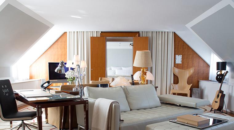 Property LeRoyalMonceau Hotel GuestroomSuite PenthouseSuiteLivingRoom RafflesHotels&Resorts