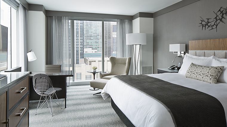 Property LoewsChicagoHotel Hotel GuestroomSuite GrandCornerKing LoewsHotelsResorts