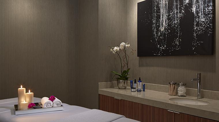 Property LoewsChicagoHotel Hotel Spa TreatmentRoom LoewsHotelsResorts