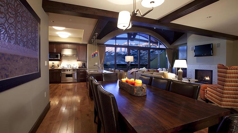 Property LumiereTelluride 4 Hotel GuestroomSuite FiveBedroomPenthouse LivingRoomandKitchen CreditLumiereTelluride