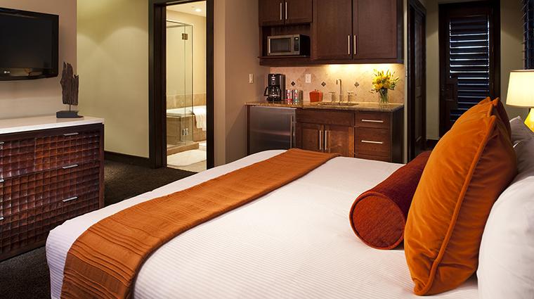 Property LumiereTelluride 5 Hotel GuestroomSuite StandardQueenGuestroom Bedroom CreditLumiereTelluride