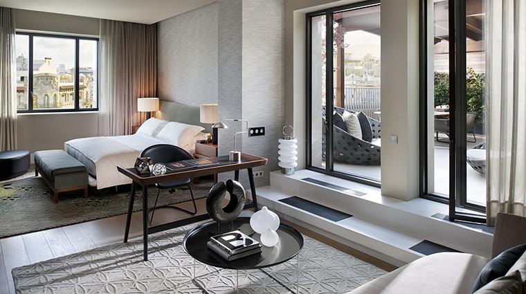 Property MandarinOrientalBarcelona Hotel GuestroomSuite PenthouseMasterBedroom MandarinOrientalHotelGroup