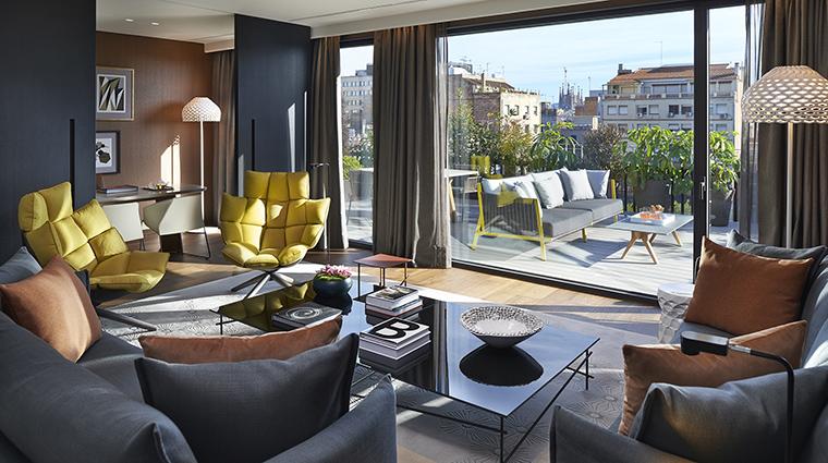 Property MandarinOrientalBarcelona Hotel GuestroomSuite PremierTerraceSuiteLivingRoom MandarinOrientalHotelGroup