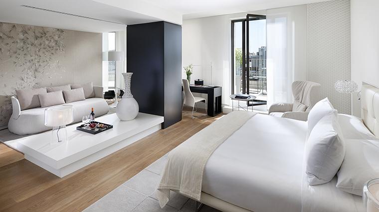 Property MandarinOrientalBarcelona Hotel GuestroomSuite StudioSuite MandarinOrientalHotelGroup