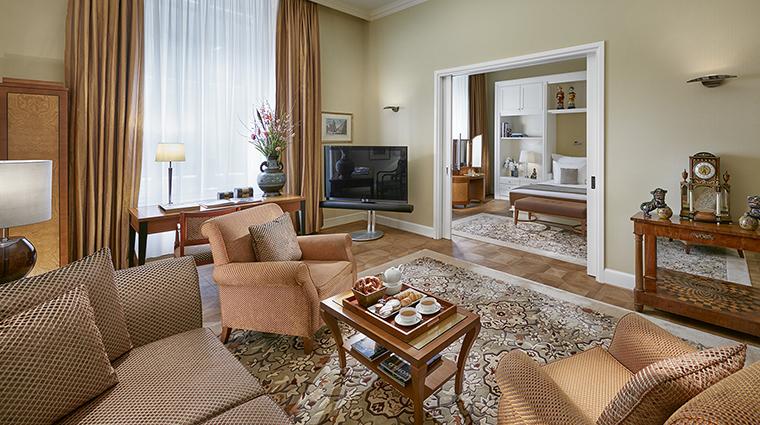 Property MandarinOrientalMunich Hotel GuestroomSuite MandarinJuniorSuite MandarinOrientalHotelGroup