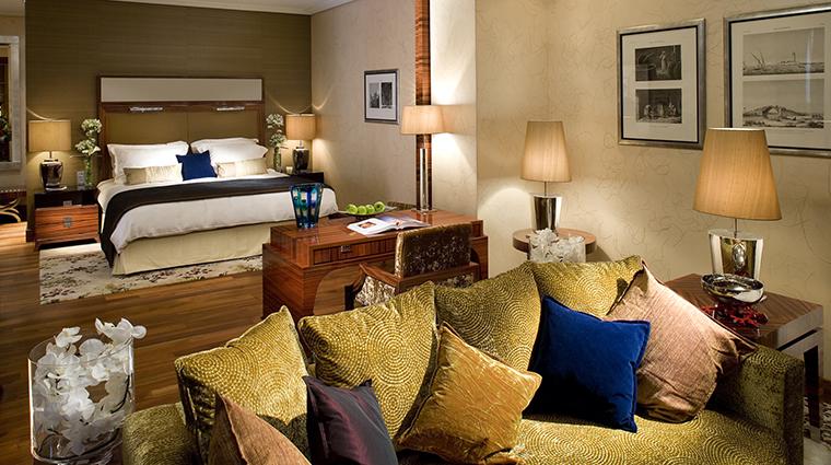Property MandarinOrientalMunich Hotel GuestroomSuite OrientalSuite MandarinOrientalHotelGroup