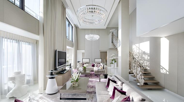 Property MandarinOrientalParis Hotel GuestroomSuite RoyaleMandarinSuiteLivingRoom MandarinOrientalHotelGroup