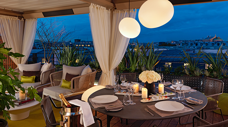 Property MandarinOrientalParis Hotel GuestroomSuite RoyaleOrientaleSuiteTerrace MandarinOrientalHotelGroup