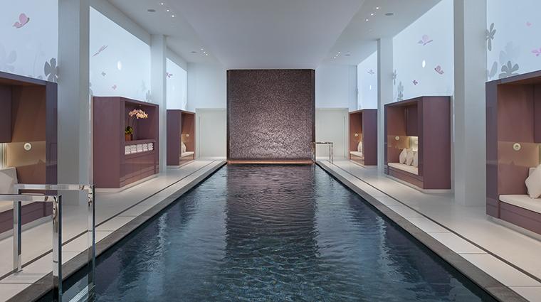 Property MandarinOrientalParis Hotel Spa SwimmingPool2 MandarinOrientalHotelGroup