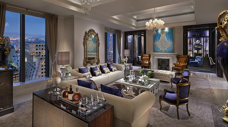 Property MandarinOrientalTaipei Hotel GuestroomSuite PresidentialSuiteLivingRoom MandarinOrientalHotelGroup