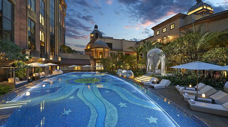 Property MandarinOrientalTaipei Hotel PublicSpaces SwimmingPool MandarinOrientalHotelGroup