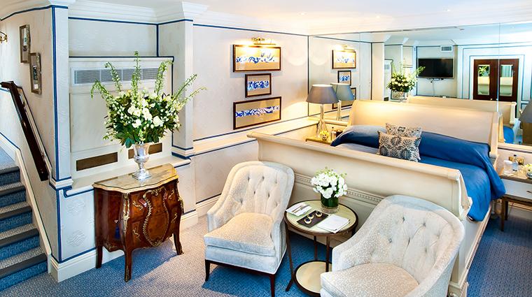 Property MilestoneHotel Hotel GuestroomSuite DeluxeStudioMatisse RedCarnationHotels